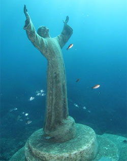 Christ of the Abyss statue